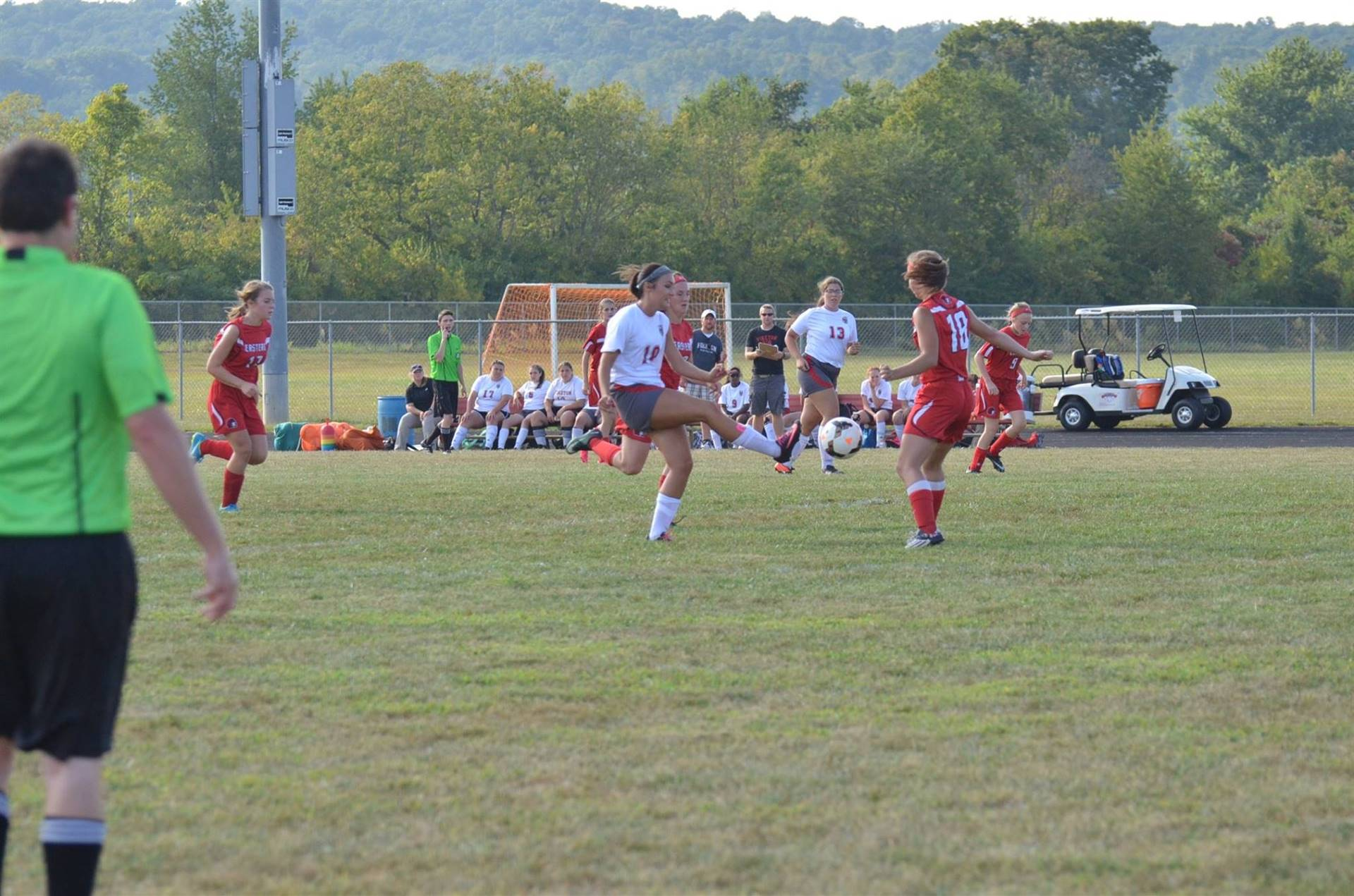 Ally Crothers kicking the ball up the field.